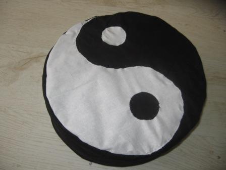 yingyang.meditációspárna.jpg